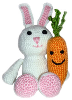 crochet bunny with carrot