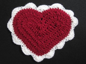 Free Crochet Pattern For A Large Heart : Crochet Spot Blog Archive Crochet Pattern: Sweetheart ...