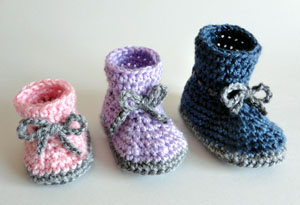 Free Crochet Pattern 70225AD Easy Booties : Lion Brand