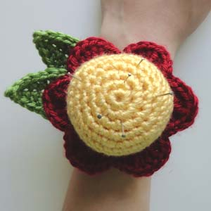 459956298 Crochet Spot » Blog Archive » Crochet Pattern  Flower Wrist Pin ...