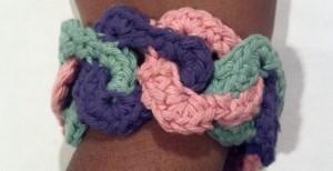 crochet_triangle_link_bracelet