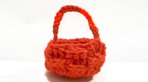 crochet_doll_basket