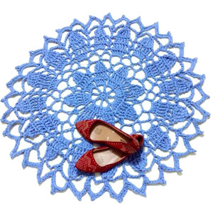 crochet blossoming doily rug