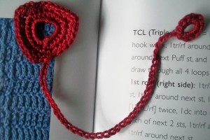 crochet_open_triangle_bookmark