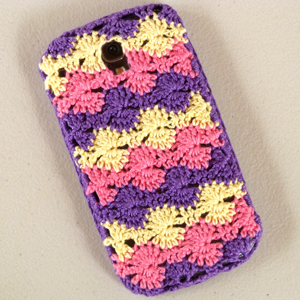 crochet candy wheel phone cover