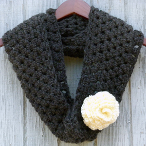 crochet graphite and rose infinity scarf
