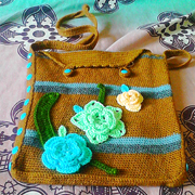 Check out another one of Faiza's crocheted bags.