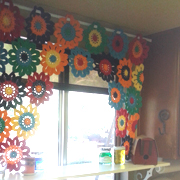 Here is Julie's completed flower valance.