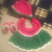 Susanne made this adorable watermelon outfit.