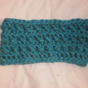 Susanne finished this blue cowl as a gift.