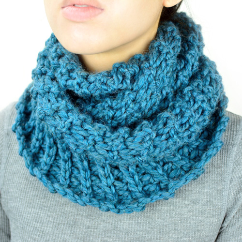 crochet broomstick winter infinity scarf