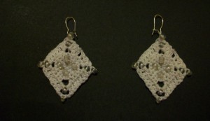 crochet_beaded_diamond_earrings