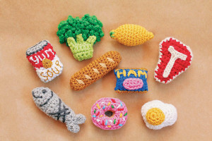 Twinkie Chan Crocheted Abode A La Mode Review by Caissa McClinton @artlikebread for @crochetspot and #cgoa magnets_medium2