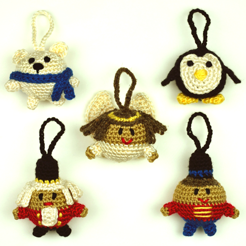 crochet-christmas-character-ball-ornaments-2