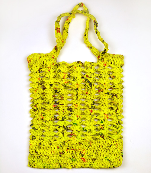Free Crochet Patterns Plarn Bags : Crochet Pattern: Shelly Mesh Plarn Bag Crochet Spot ...